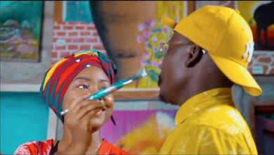Photo of VIDEO: SuperRhymer Ft. Macky 2 – Simple